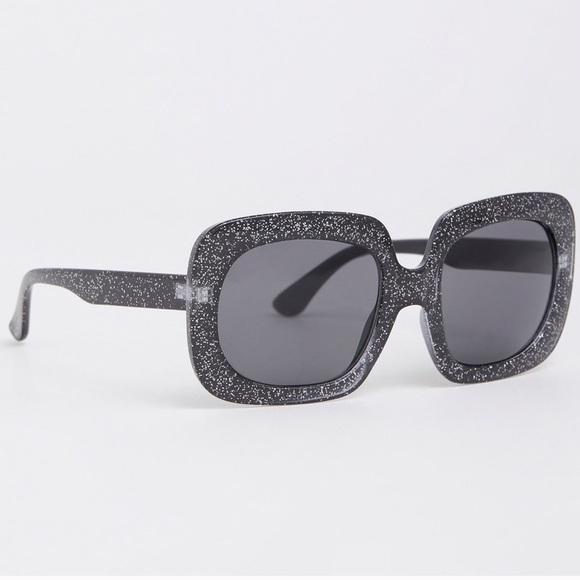 12a18b36cc56a NWT Torrid chunky square glitter sunglasses